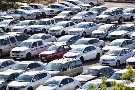 La DGT quiere rematar a los coches zombies: las bajas temporales de vehículos tendrán fecha de caducidad