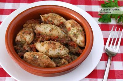 Chipirones con anchoas y tomate seco. Receta saludable