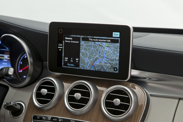 Foto de CarPlay Mercedes Benz Clase C (8/26)