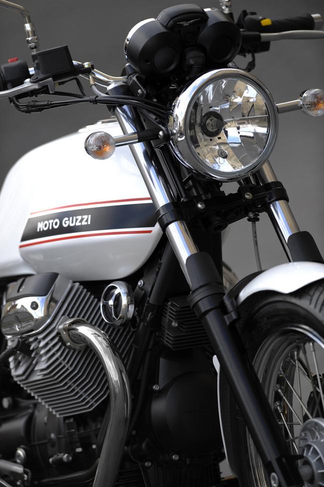 Foto de Moto Guzzi V7 Classic (19/42)
