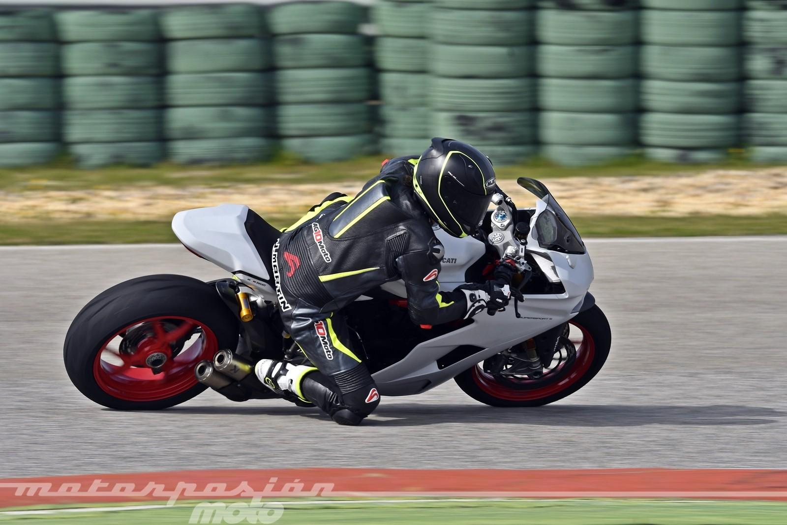 Foto de Ducati Supersport S (31/32)