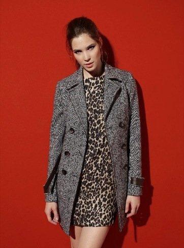 Bershka Otoño-Invierno 2010/2011: abrigo jaspeado