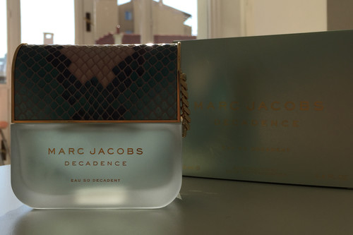 Decadence Eau So Decadent de Marc Jacobs, un perfume tan ideal por dentro como por fuera