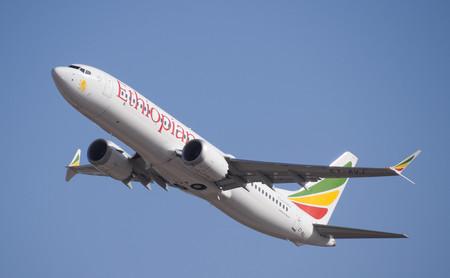 Los pilotos del Boeing 737 MAX de Ethiopian Airlines siguieron el procedimiento de emergencia pero no funcionó, según el informe preliminar