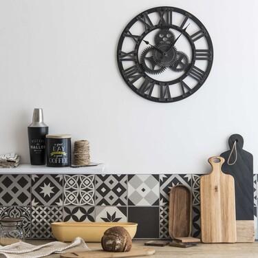Cinco relojes de pared rebajados en Maisons du Monde para sumar un toque retro e industrial a tus espacios