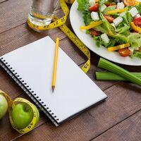 Si quieres perder peso suma agua a tus platos. Así puedes aumentar el contenido acuoso de tu dieta para adelgazar