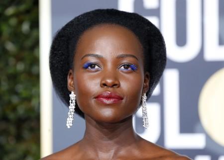 Lupita Nyongo Pestanas Azules