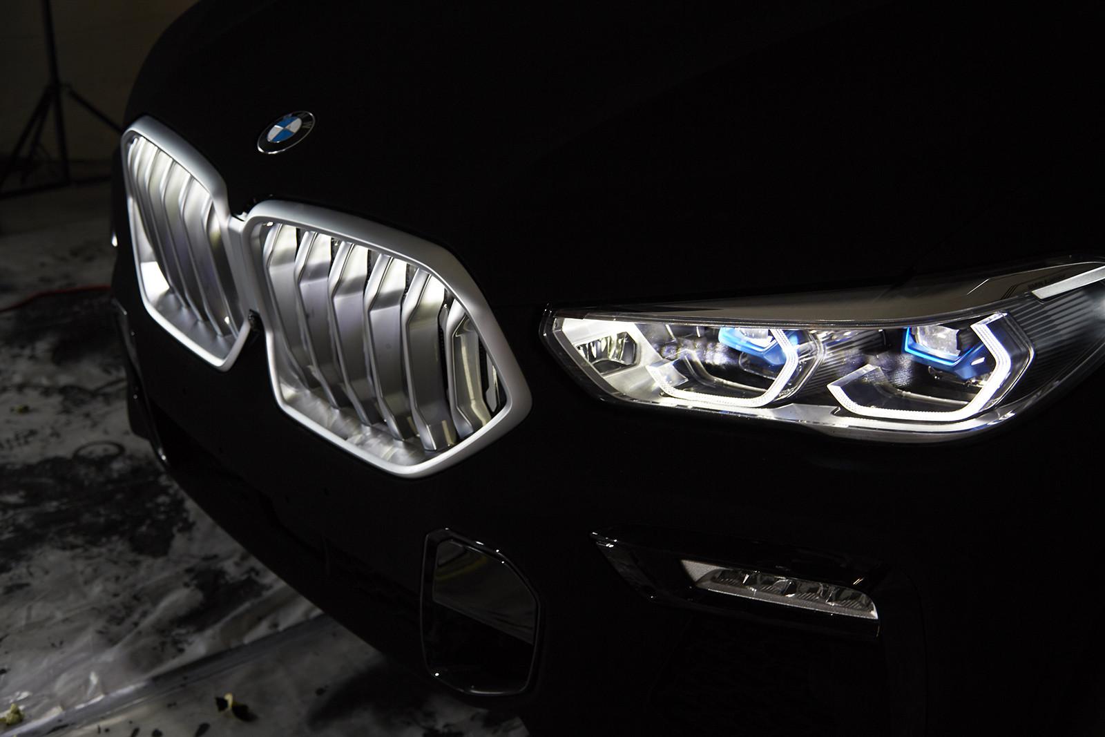 Foto de BMW X6 Vantablack (8/10)