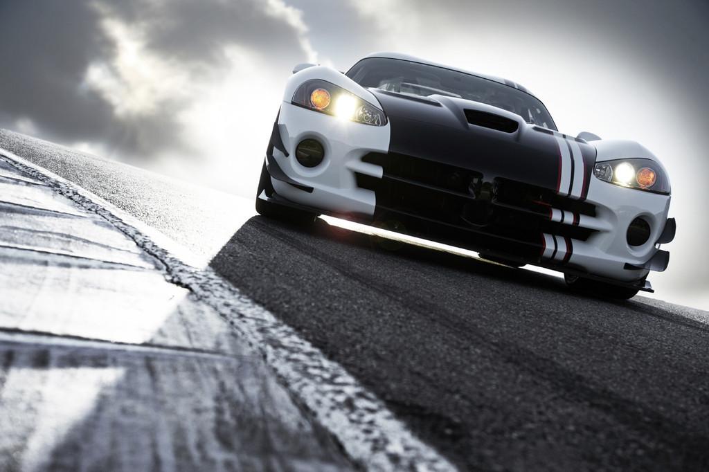 Foto de 2010 Dodge Viper SRT10 ACR-X (2/9)