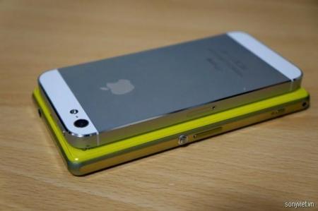 Sony Xperia Z1f  iPhone 5s Japón