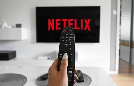 """Netflix habilitará el """"modo aleatorio"""" en México y el mundo en 2021 para que, como en tv abierta, no pierdas tiempo eligiendo qué ver"""