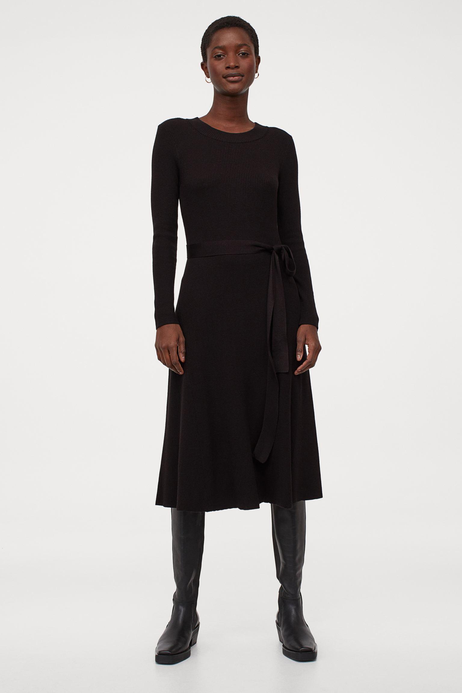 Vestido en punto de canalé negro