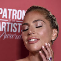 Sombras con acabado metalizado: el toque glam que desearás para tu look de fiesta