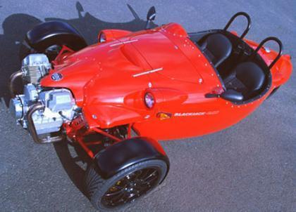 Motor Moto Guzzi en un vehículo de tres ruedas