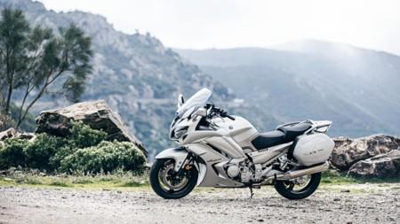2016 Yamaha Fjr1300ae Eu Matt Silver Static 002