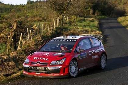Superioridad aplastante de Citroën y Loeb en Irlanda