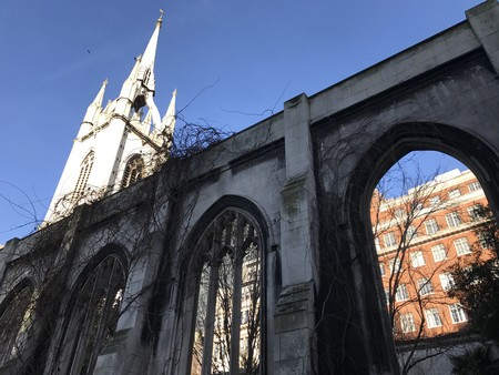 St. Dunstan in the East, el remanso de paz en plena City londinense