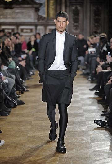 Givenchy, Otoño-Invierno 2010/2011 en la Semana de la Moda de París5
