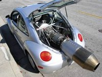 VW New Beetle con el motor de un jet