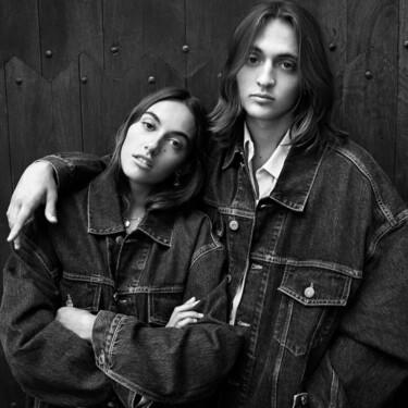 La nueva colección de Zara se viste en denim, en clave unisex y se acompaña de una sencillez extrema que enamora