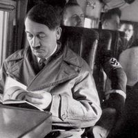 La biblioteca secreta de Hitler y el mito de que leer nos hace más humanos