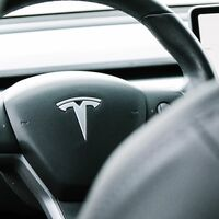 Elon Musk revela que quiso proponer a Tim Cook comprar Tesla