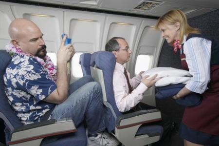 Ejercicios en el viaje para prevenir el síndrome de la clase turista