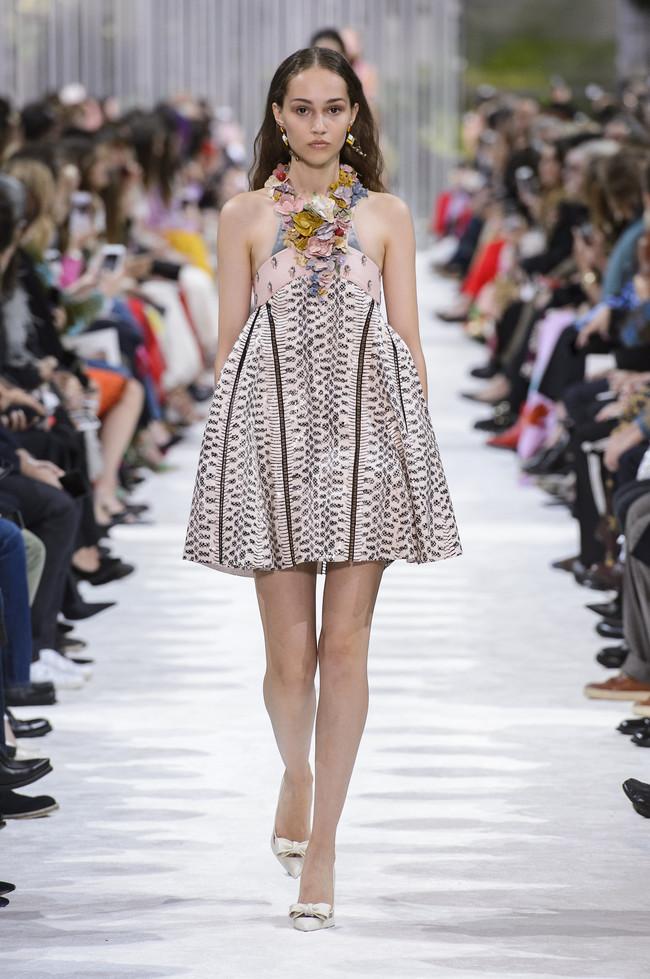 valentino desfile paris fashion week primavera verano 2018 ss18