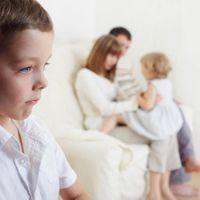 Cuando llega un hermanito pequeño, ¿cómo lo tomará el mayor?