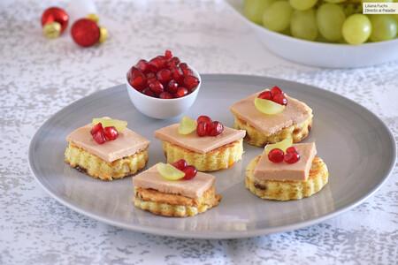 Canapés de panettone, foie, granada y uva: receta de aprovechamiento para un aperitivo de fiesta listo en 15 minutos