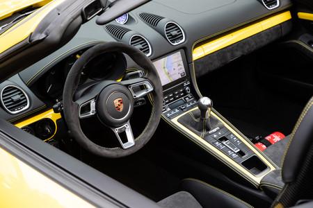Porsche 718 Spyder volante