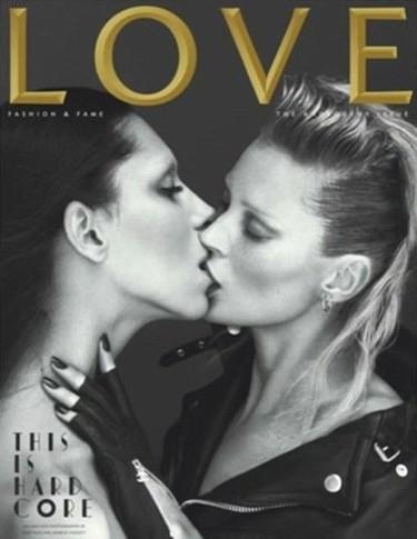 Kate Moss besa a la modelo transexual Lea T en la portada de Love