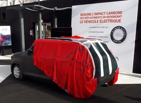Una start-up desarrolla una funda solar retráctil para aumentar la autonomía de los coches eléctricos