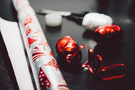 Cinco ideas funcionales y decorativas para aprovechar y reutilizar el papel de regalo