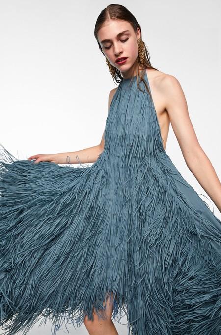 El ya famoso vestido de Zara de Marta Ortega ha vuelto... en color plomo