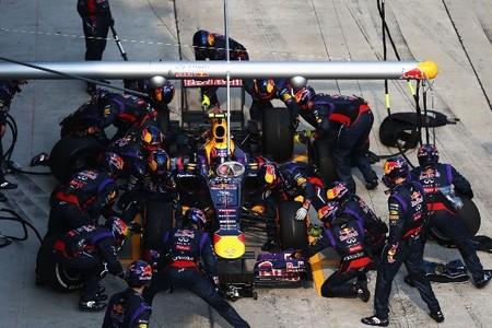 Los rivales buscan razones al récord de Red Bull en los pit-stop