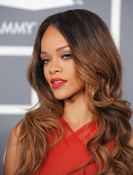Las mejor y peor vestidas de los Grammy 2013 según los lectores de Trendencias