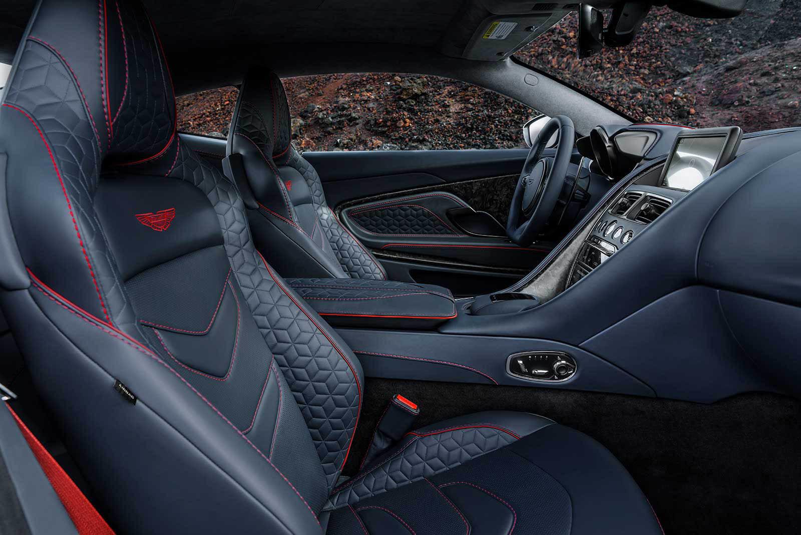 Foto de Aston Martin DBS Superleggera (25/31)