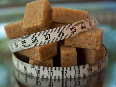 ¿Deberíamos aumentar un 20% los impuestos sobre las bebidas azucaradas?
