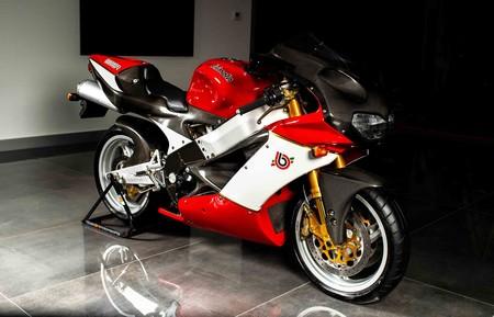 Una de las poquísimas Bimota SB8R se pone en venta por 20.645 euros, una de las primeras motos con chasis de fibra de carbono
