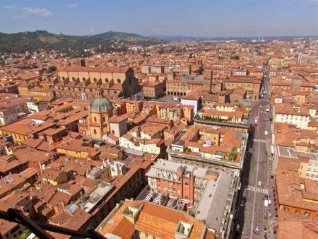 Subir a la Torre Asinelli de Bolonia: las mejores vistas de la ciudad