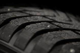 Nokian desarrolla un neumático de invierno con clavos escamoteables