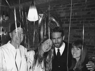Blake Lively se nos pone romántica en el cumpleaños de Ryan Reynolds
