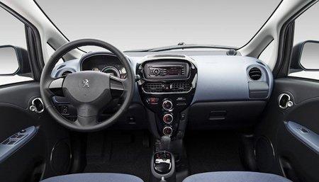 Peugeot-iOn-salpicadero-1
