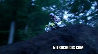 Backflip para chicas con Travis Pastrana