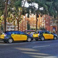 Principio de acuerdo con los taxistas en Barcelona, mientras Cabify se plantea abandonar la ciudad