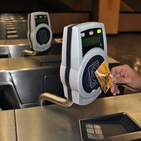 Con las nuevas tarjetas del Metro de Ciudad de México también podrás hacer compras y pagar otros servicios