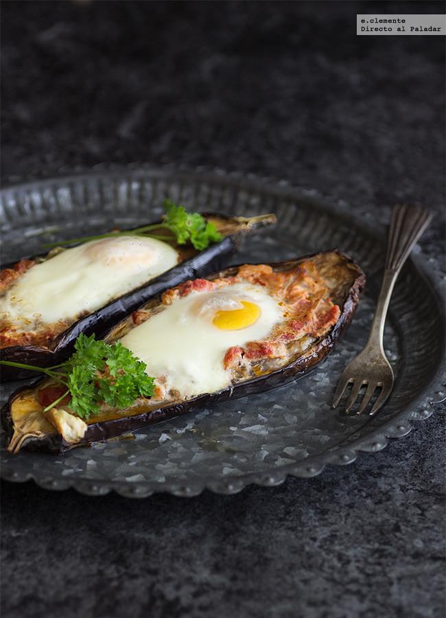 Huevos al nido en berenjena