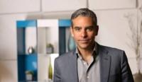 El CEO de PayPal dirigirá Facebook Messenger... pero no podrá decir ni mu sobre WhatsApp
