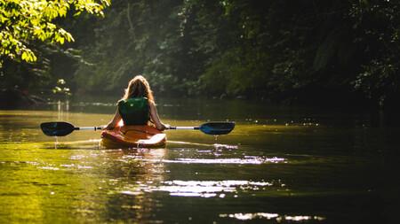 Si este verano vas a probar a practicar Kayak te contamos cuáles son sus beneficios y cinco sitios donde practicarlo en España